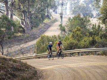 Bergzeit Dotout Testbericht Gravel Bike Outfit!
